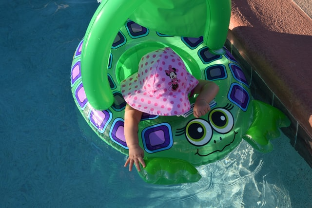Helping your baby overcome water worries: A Guide